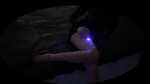 LOL金克丝ASMR 黑暗下的自画荧光